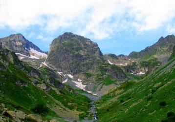 Горы Кавказа в районе АРхыза