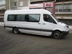 Mercedes515_8