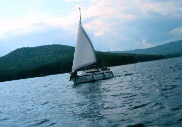 Озеро Тургояк Яхта